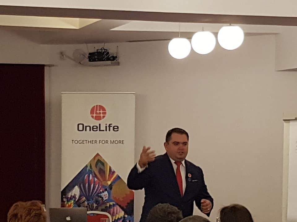 onelife business tour cluj Peste 100 de oameni de afaceri, prezenți la OneLife Business Tour Cluj-Napoca 49762991 2129239177125713 4866273821260251136 n