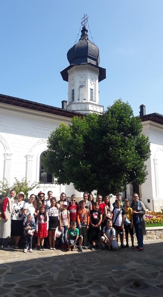 Fantastic Global Team & OneWorld Foundation sprijină copiii talentaţi din România oneworld foundation Fantastic Global Team & OneWorld Foundation sprijină copiii talentaţi din România 67747163 2799129586788183 4159347948372623360 n