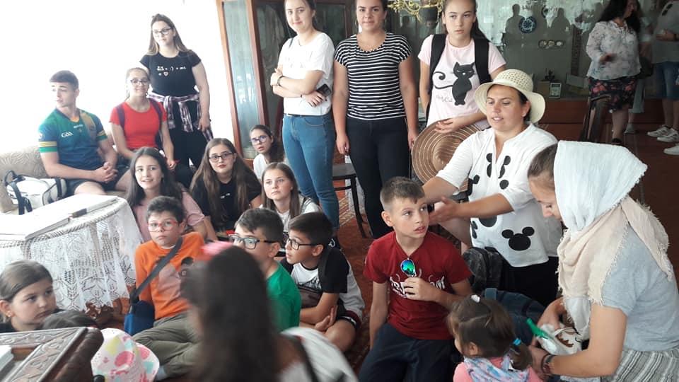 oneworld foundation Fantastic Global Team & OneWorld Foundation sprijină copiii talentaţi din România 67897760 2799130130121462 6371859398393856000 n