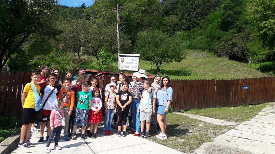 oneworld foundation Fantastic Global Team & OneWorld Foundation sprijină copiii talentaţi din România 68630956 2799129770121498 5078440760391499776 n
