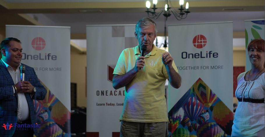 Marius Roșu: Am adoptat OneCoin cu gândul la viitor rosu